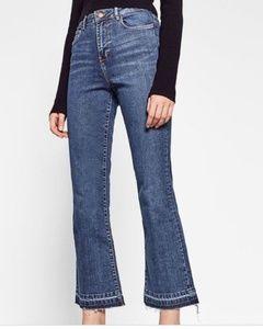 Zara Trafaluc raw hem Mini Flare Jeans size 6